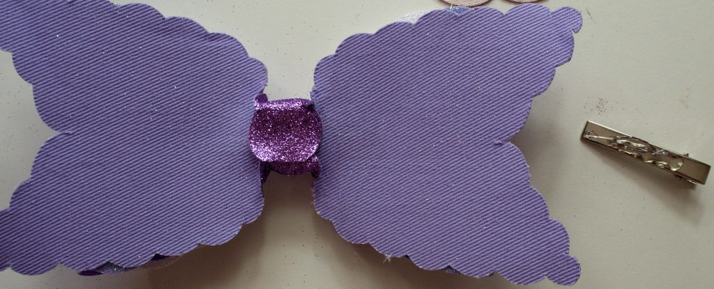 Gluing bow to alligator clip