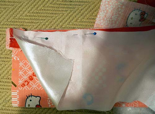Attaching lining and fabric to zip for Cricut bag