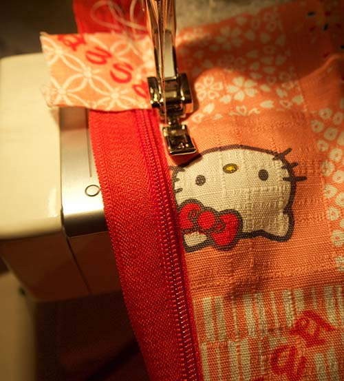 Topstitching zip on Cricut bag