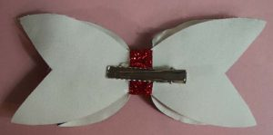bow clip on back