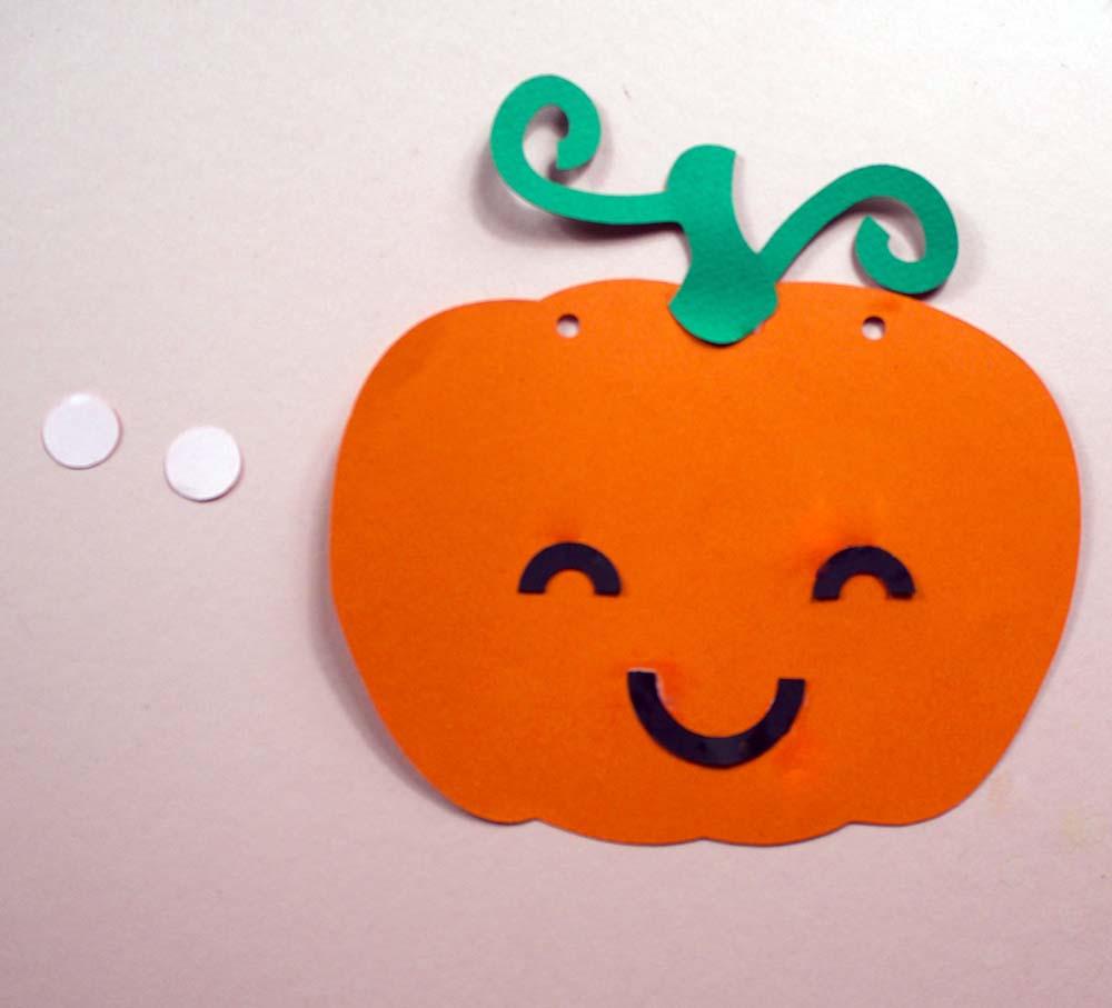 pumpkin bunting on cricut